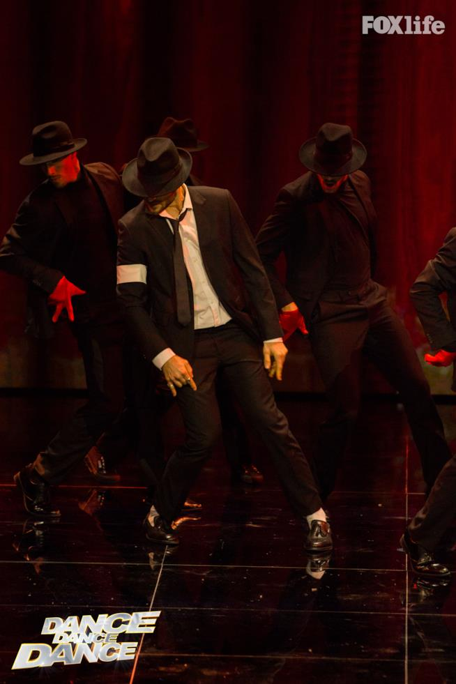 Giulio Berruti si esibisce a Dance Dance Dance
