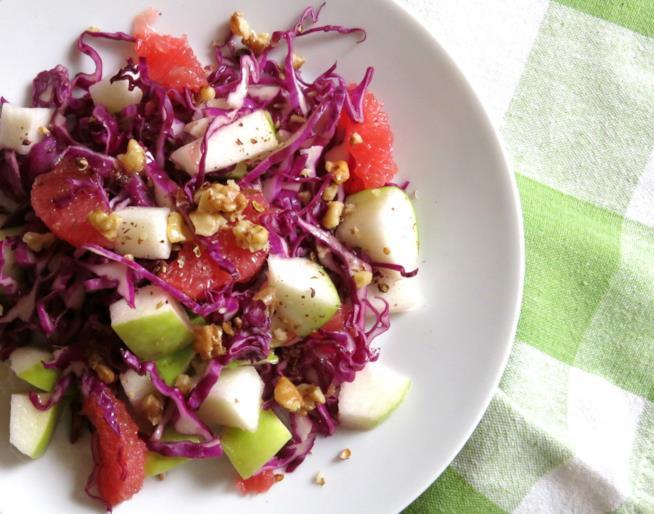 Piatto di frutta e verdura