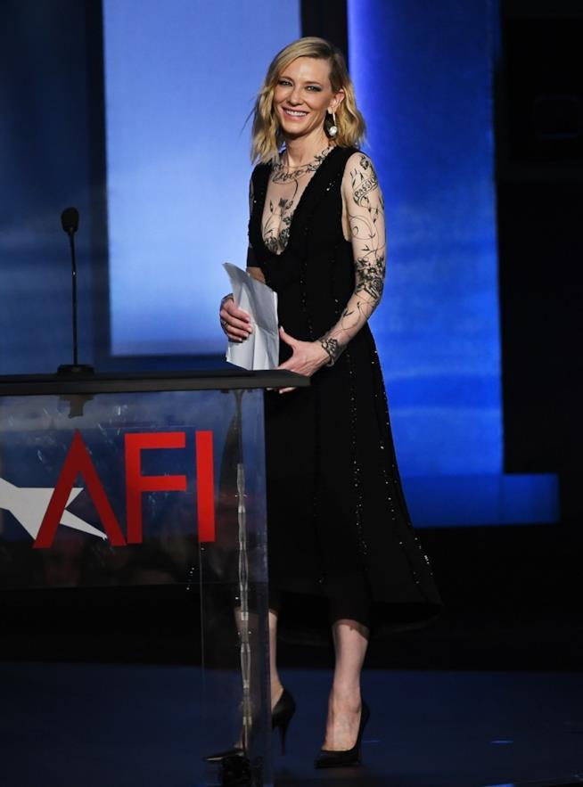 Cate Blanchett e i tatuaggi all'AFI Gala
