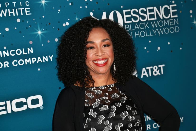 Shonda Rhimes sul red carpet dell'ESSENCE Black Woman in Hollywood 2017