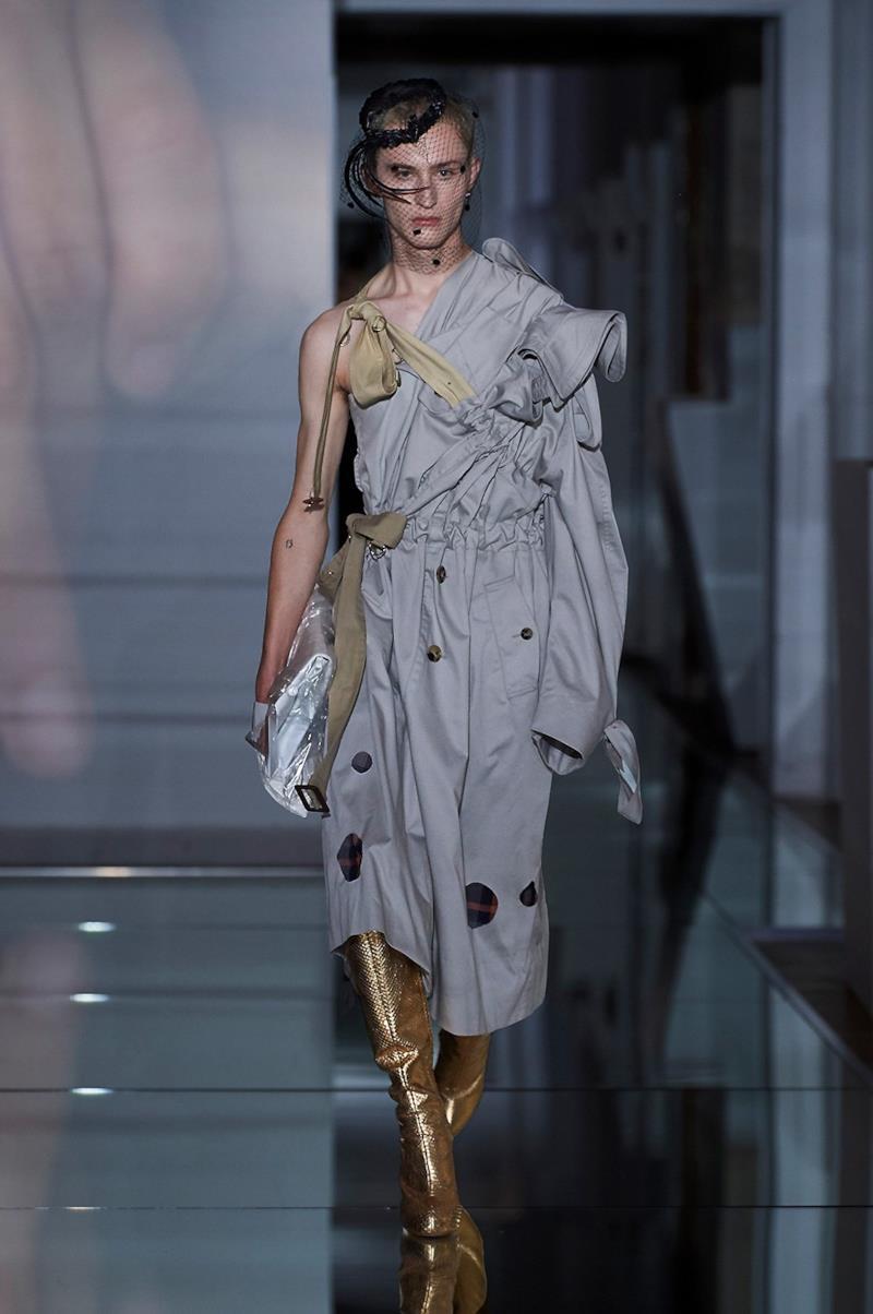 Sfilata MAISON MARGIELA Collezione Alta moda Autunno Inverno 19/20 Parigi - Margiela PO HC RF19 0026
