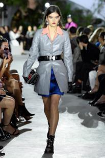 Sfilata LOUIS VUITTON Collezione Donna Primavera Estate 2020 New York - Vuitton Resort PO RS20 0018