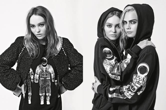 Cara Delevingne e Lily-Rose Depp abbracciate nella campagna Chanel