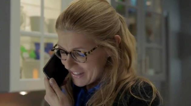 911: Abby in una scena dall'episodio 1x07