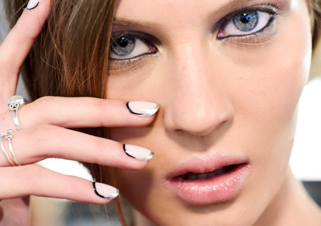 Nail art french unghie lunghe