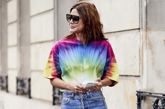 T-shirt con fantasia tie-dye dallo Street Style