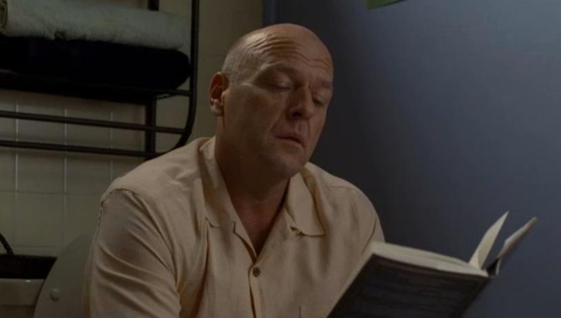 Hank legge un libro di poesie