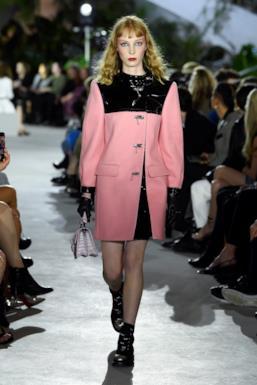 Sfilata LOUIS VUITTON Collezione Donna Primavera Estate 2020 New York - Vuitton Resort PO RS20 0041