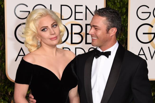 Lady Gaga in compagnia di Taylor Kinney