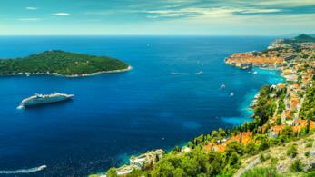 Il litorale della Croazia e una delle tante isole disseminate lungo la sua costa