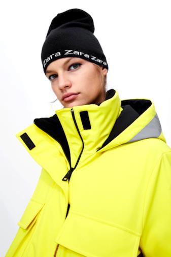 Berretto in maglia con logo Zara