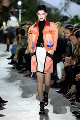 Sfilata LOUIS VUITTON Collezione Donna Primavera Estate 2020 New York - Vuitton Resort PO RS20 0011
