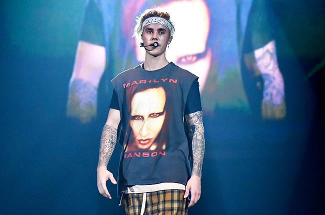 Justin Bieber con la sua t-shirt ispirata a Marilyn Manson