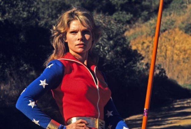 Cathy Lee Crosby con il costume particolare di Wonder Woman