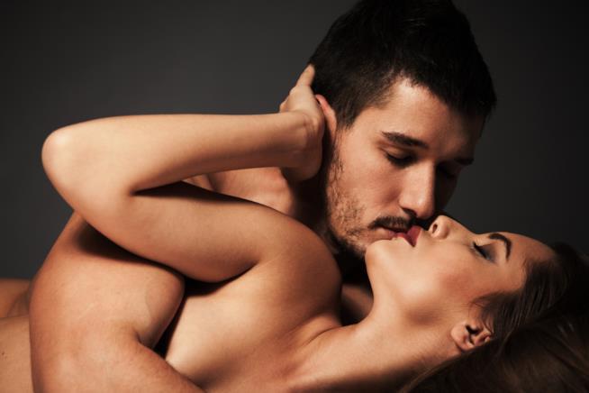sesso anale: la posizione perfetta è lei sopra lui