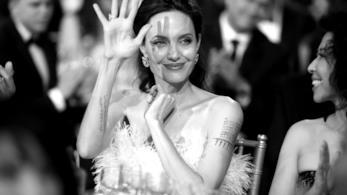 Angelina Jolie è sempre impegnata a difendere le giovani donne