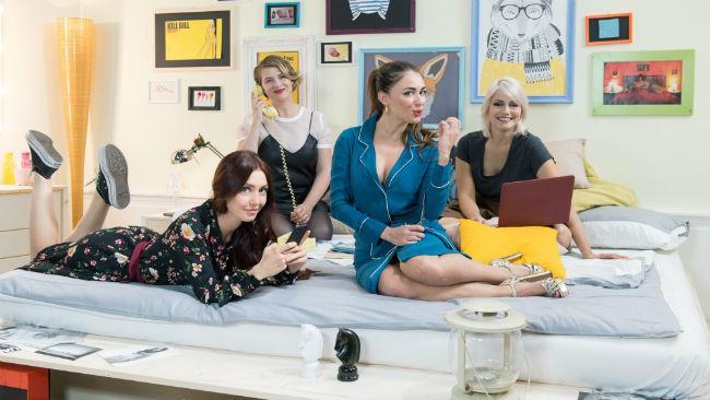 Alice Mangione, Camihawke, Ludovica e AlicelikeAudrey in Pink Different