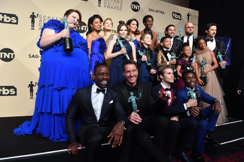 Il cast di This Is Us con i premi vinti ai Sag Awards 2018