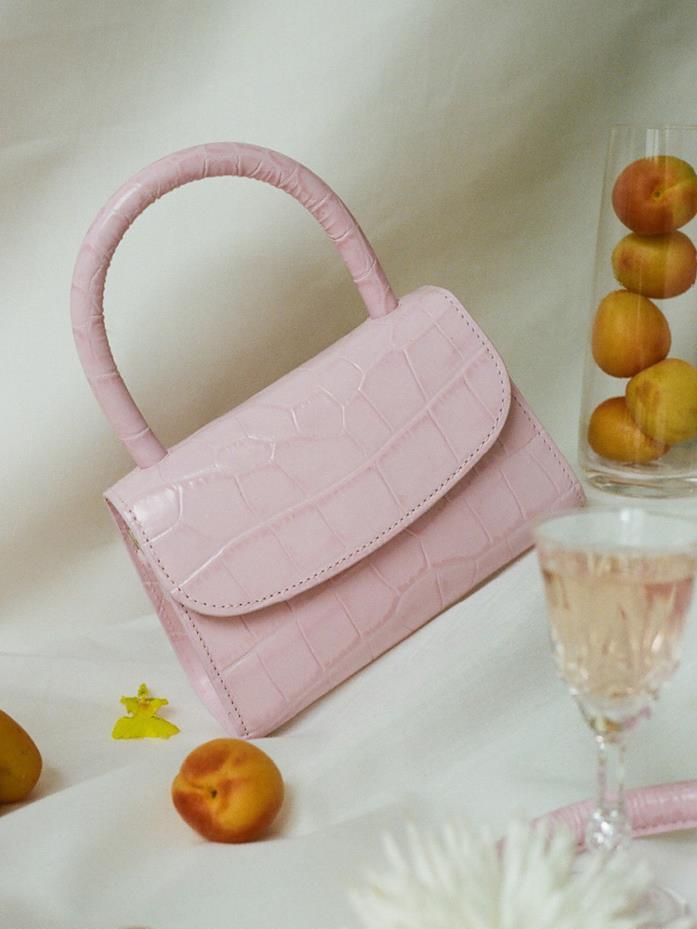 Borsa rosa della collezione Mini Croco Bag BY FAR