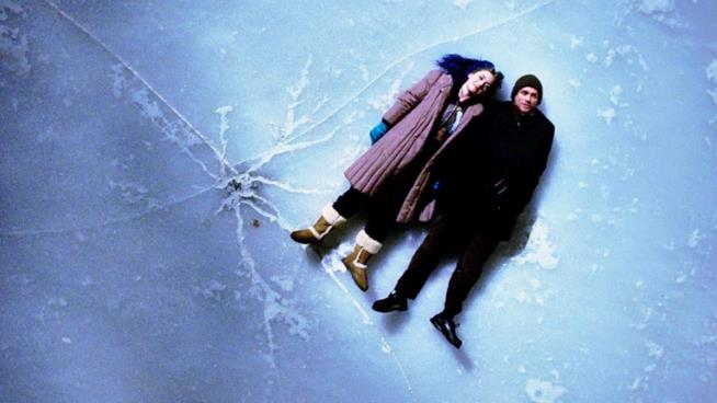 Kate Winslet e Jim Carrey nel poster di Eternal Sunshine of the Spotless Mind