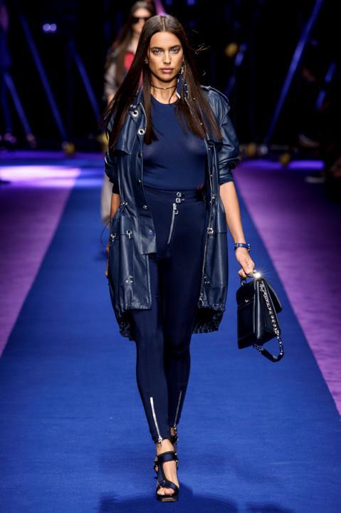 Irina Shayk Versace S17