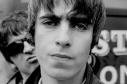 Liam e Noel Gallagher in uno scatto di metà anni '90