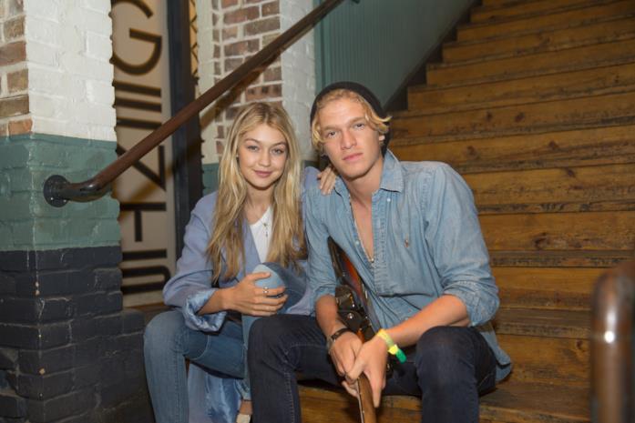 Gigi Hadid e Cody Simpson  sulle scale