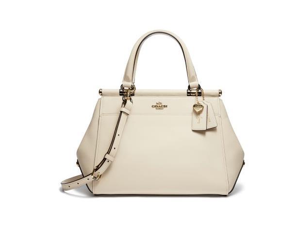 La borsa a mano color panna Coach disegnata da Selena Gomez