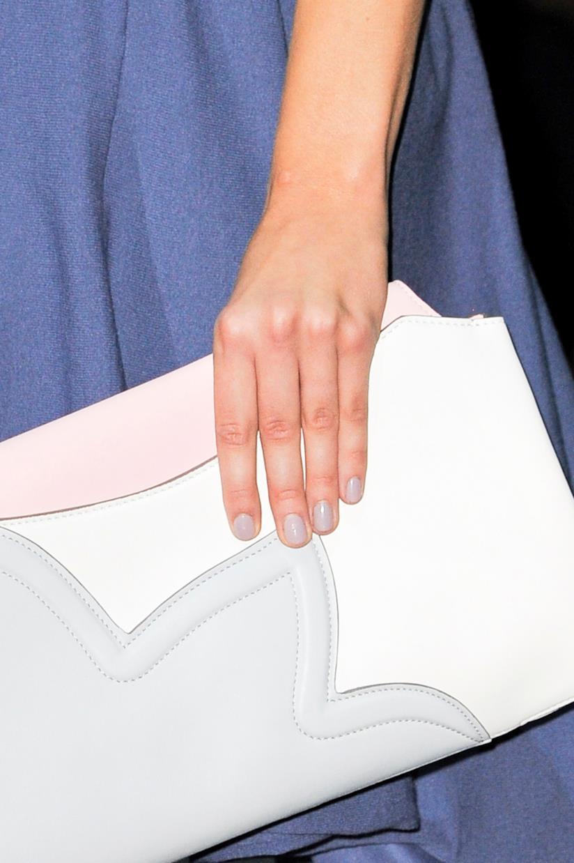 Per una nail art di tendenza scegli le unghie rotonde