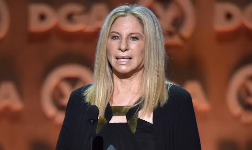 Barbra Streisand in primo piano