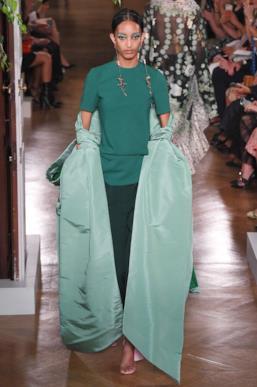Sfilata VALENTINO Collezione Alta moda Autunno Inverno 19/20 Parigi - ISI_3390
