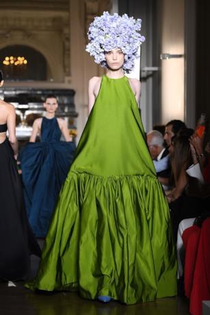 Verde negli abiti haute couture di Valentino