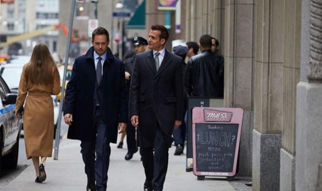 Mike e Harvey di Suits