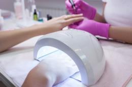 Lampada a LED per unghie e manicure con smalto in gel o semipermanente