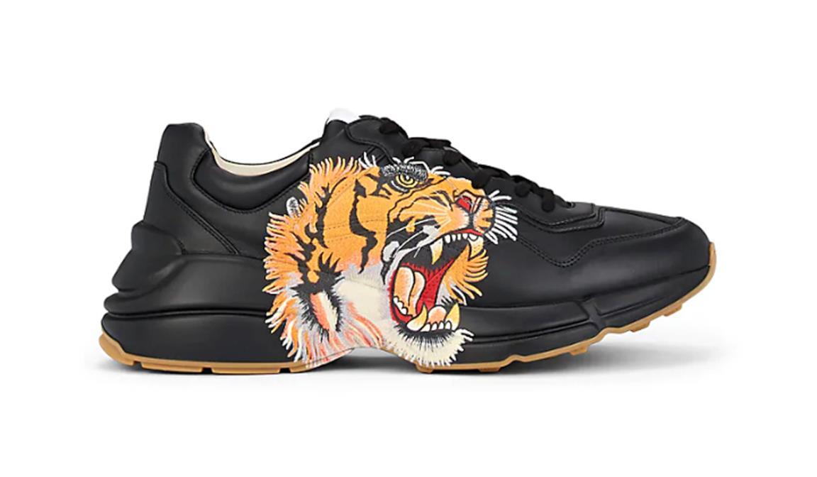 Gucci Rhyton nera con stampa a tigre