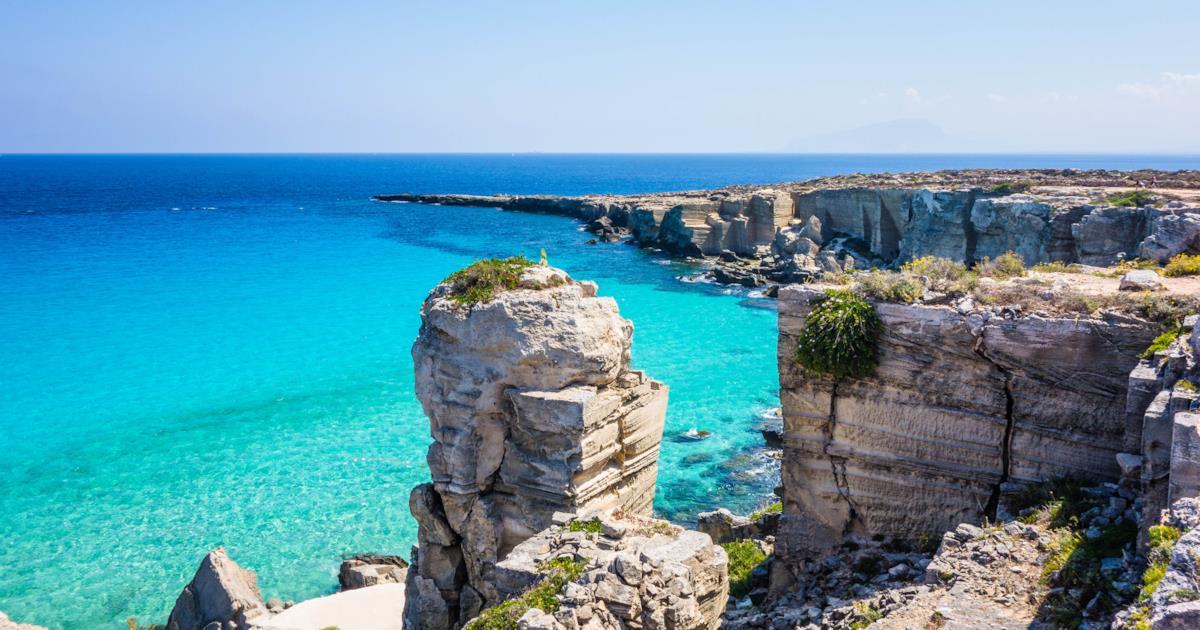 Isole Egadi: 50 sfumature di azzurro