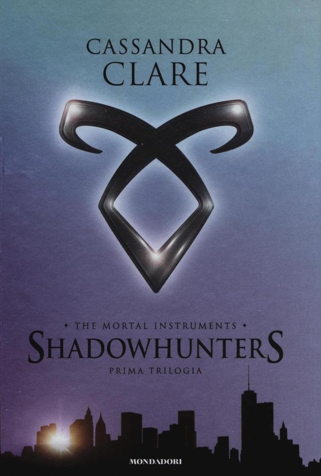 Copertina della prima trilogia di Shadowhunters