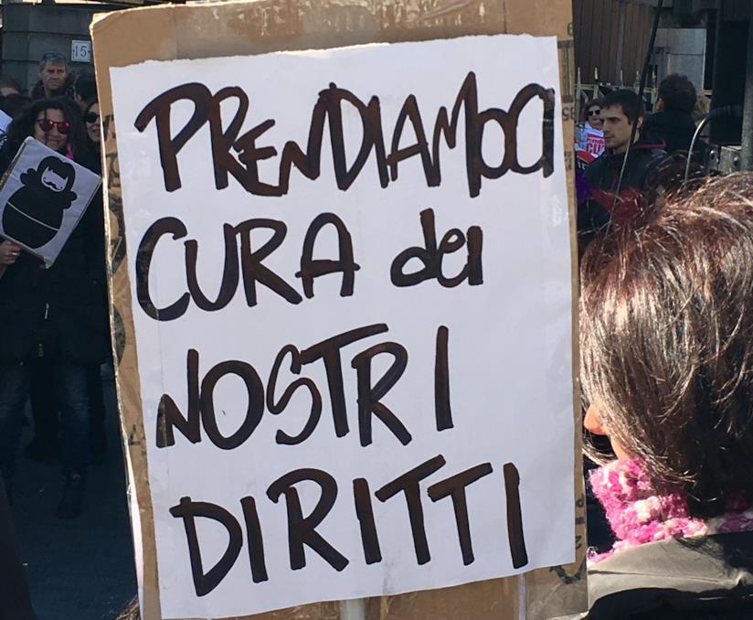 Un'immagine della manifestazione Non Una di Meno a Roma