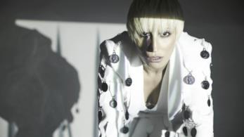 Malika Ayane in una foto promozionale di Domino