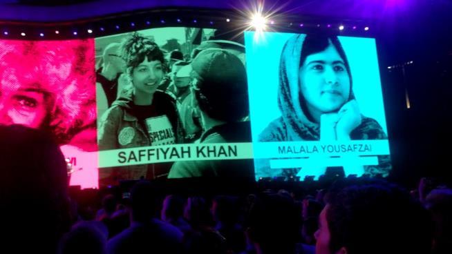 L'immagine di Malala sul palco degli U2, The Joshua Tree Tour 2017
