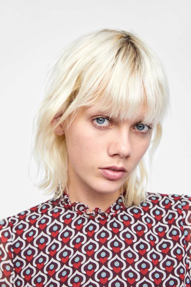 Vestito di Zara con stampa a forma di cuori in poliestere