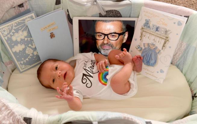 George Michael ha aiutato una coppia a far nascere il loro figlio con una donazione