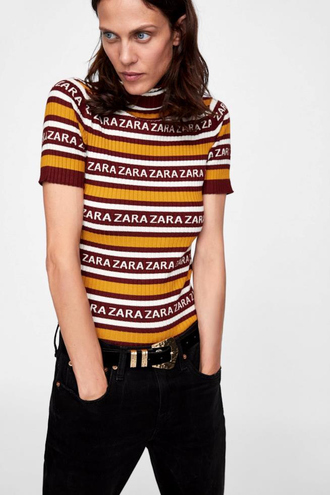 Pullover di Zara a mezze maniche con logo