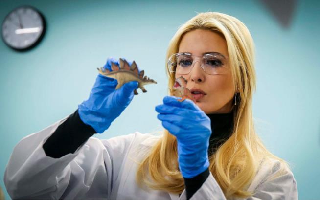 Ivanka Trump in laboratorio