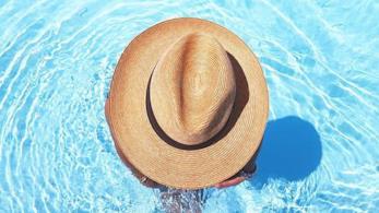 Il cappello è il must have per questa estate