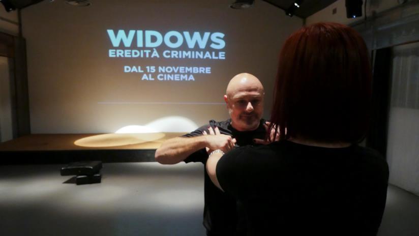 Una simulazione di strangolamento con Daniele Stazi