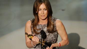 Kathryn Bigelow riceve l'Oscar come miglior regista