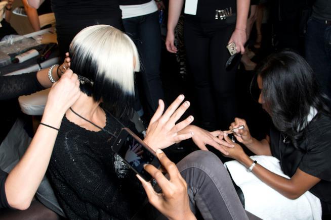French manicure con lo smalto in gel semipermanente