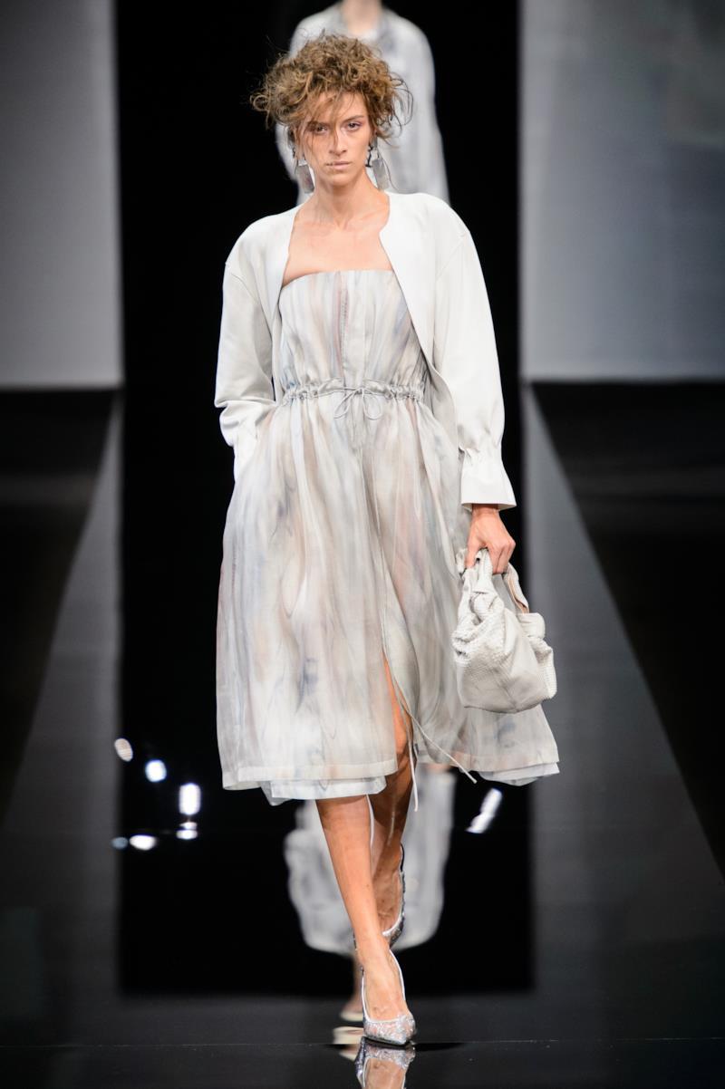 premium selection 7f640 9ee60 Giorgio Armani | Milano | Primavera/Estate 2019 | Donna