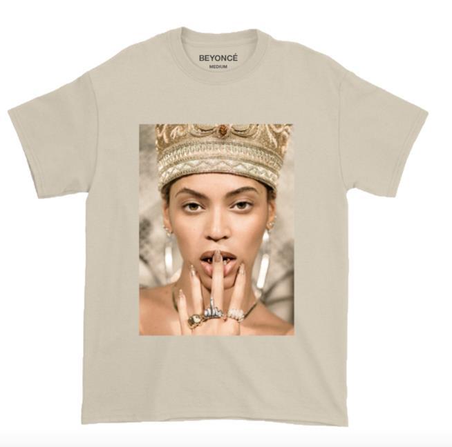 La t-shirt di Beyoncé che ricorda la sua Nefertiti